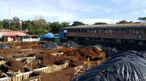Zona donde se construye el nuevo edificio de aulas y laboratorios docentes.  La obra debe estar lista para setiembre de 2016.